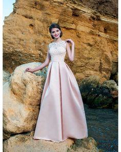 1ff741ad0fb5 Luxusné večerné šaty s krajkovaným živôtikom. Večerné šaty s trendy saténovou  sukňou ...
