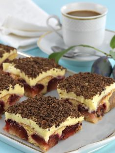 Krémes szilvás kocka Hungarian Desserts, Cake Recipes, Dessert Recipes, Tiramisu Cake, Aesthetic Food, Cakes And More, Cake Cookies, Food To Make, Food And Drink