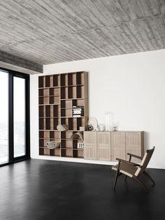 Ønsker bokhyller i stua, men litt mer spensti. The Bookcase System. Designed by Mogens Koch in 1928.