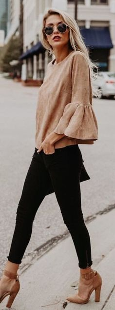 #winter #outfits grey crew-neck 3/4 sleeved shirt with black fitted jeans and pair of brown leather pointed-toe chunky heeled leather shoes outfit