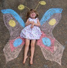 Resultado de imagem para chalk drawings for kids Butterfly Garden Party, Butterfly Birthday Party, Butterfly Crafts, 1st Birthday Parties, Girl Birthday, Butterfly Painting, Butterfly Invitations, Party Invitations, Art Projects