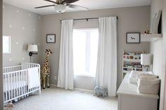 chambre bebe grise et girafe
