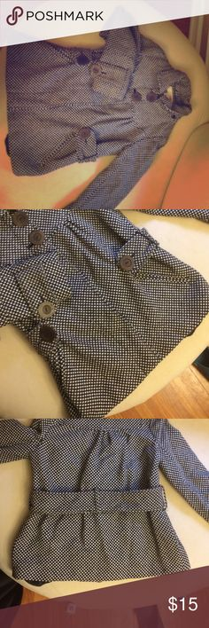 Adorable Black and white tweed jacket size s Black and white tweed jacket. Worn a few times. Flattering pleats in the front. Gathered a bit on the sides. Size small- fits well on petite a. Great with skinny jeans h2j Jackets & Coats Blazers