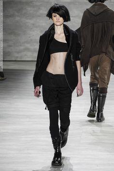 Imagen de http://celebsvenue.com/wp-content/uploads/2014/02/355459/Nicholas-K-Fall-Winter-2014-R-T-W-collection-at-New-York-Fashion-Week-015.jpg.