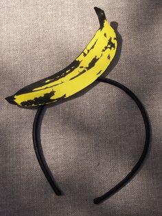 Serre tête banane. #headband #banane #banana #pois #party #anniversaire #birthday #fete #rosecaramelle #sweetable #candybar www.rosecaramelle.fr Banana Party, Head Band, Decoration, 2nd Birthday, Cake, Summer Hair, Alice Band, Banana, Birthday