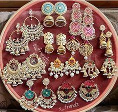 Best Ideas for jewerly earrings classy beautiful Indian Jewelry Earrings, Indian Jewelry Sets, Jewelry Design Earrings, Gold Earrings Designs, Indian Wedding Jewelry, India Jewelry, Silver Jewelry, Silver Ring, Earrings Uk