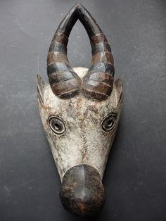 Maison de ventes aux enchères en ligne Catawiki: Masque africain de renne - BAMILEKE - Cameroun