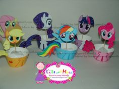 My Little Pony cupcake wrappers and toppers 6 by KitsandMore My Little Pony Birthday Party, 6th Birthday Parties, Birthday Party Decorations, Birthday Ideas, My Little Pony Cupcakes, Rainbow Dash Party, Little Poni, Cowgirl Party, Cupcake Wrappers