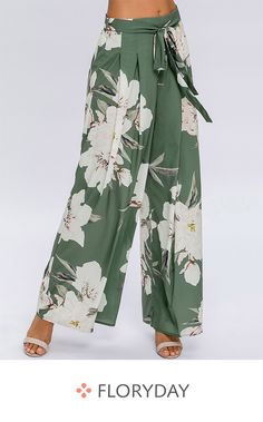 Swans Style is the top online fashion store for women. Fashion Pants, Women's Fashion Dresses, Diy Clothes, Clothes For Women, Casual Outfits, Cute Outfits, Pantalon Large, Short Women Fashion, Plus Size Jeans