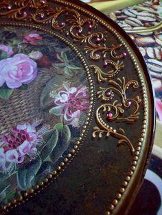 Декупаж: тарелочки с каёмочкой (обратный декупаж,роспись контурами) ФОТО #1