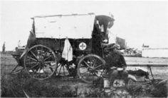 """Het Transvaalsche Roode Kruis"""" Ambulaans wa by Uitspan 1899-1902."""