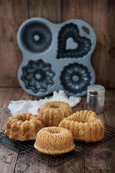 La cocina de Tesa: Mini bundt cakes de mandarina y semillas de nigella Best Chocolate Brownie Recipe, Brownie Recipes, Taco Bell Recipes, Baking Gadgets, Dad Cake, Watermelon Smoothies, Cake Packaging, Mini Cakes, Mini Bundt Cake