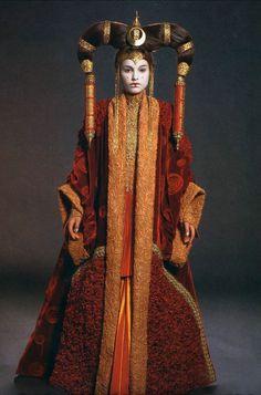 Natalie Portman - Star Wars: Episode I - The Phantom Menace (1999) (854×1295)