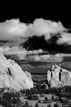 Black and White Photography - Garden of The Gods - Colorado Spring, Colorado - Ansel Adams Straight Photography, Fine Art Photography, Amazing Photography, Nature Photography, Urban Photography, Wedding Photography, Edward Weston, Black And White Landscape, Black N White Images