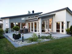 Avanti Villa is a one-story house in Myresjöhus in a Newfunkis style with a wooden roof … Outdoor Rooms, Outdoor Gardens, Outdoor Living, Backyard Patio, Backyard Landscaping, Garden Design, House Design, Story House, Scandinavian Home