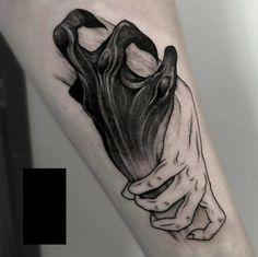 Fazer a mão normal arregacando a mão demo kk
