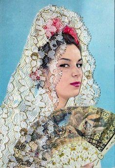 Flamenco Dress up Spanish Eyes, Spanish Woman, Spanish Ladies, Spanish Heritage, Spanish Style, Mexico People, Spanish Dancer, Vintage Gypsy, The Beautiful Country