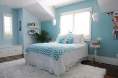 Tween girl's bedroom in aqua ~ Like the window seat and the color is decent.