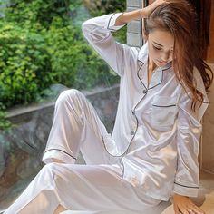 *; Material: Poliéster.*; Suave, Ligero, Transpirable Y Súper Elástico.*; Temporada Aplicable: Primavera, Otoño.*; Suave Y Cómodo De Llevar, Moda Y Diseño Elegante.*; Perfecto Para Ropa De Dormir Y Ropa De Dormir. Satin Pyjama Set, Satin Pajamas, Satin Sleepwear, Pyjamas, Sp City, Couple Pajamas, Pajama Suit, Pajama Top, Vintage Midi Dresses