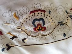 fru storlien: Bunadskjorter, vask og stell