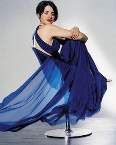 Penelope Cruz is comfy in blue dress http://www.luvtolook.net/2013/05/penelope-cruz-is-comfy-in-blue-dress.html