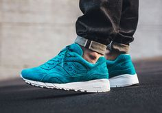 Tonal Suede Options On The Saucony Shadow 6000 - SneakerNews.com