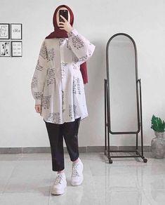 eyysma Hijab Fashion Summer, Modern Hijab Fashion, Hijab Fashion Inspiration, Arab Fashion, Style Inspiration, Fashion Outfits, Womens Fashion, Modest Fashion, Ootd Hijab