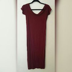 Stretchy Maroon Maxi Super stretchy and form fitting. Can be worn on shoulders a couple different ways. Perfect condition. Dresses Midi