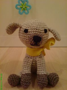 Free brown dog Ami pattern. So cute, I want ten! Nice share, thanks so for pdf xox