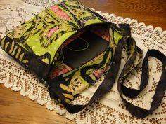 1893 Victorian Farmhouse: Yesterday's Project: Stitch & Slash Fabric Art Zippered Bag