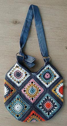 Crochet Tote, Crochet Handbags, Crochet Purses, Crochet Granny, Crochet Crafts, Knit Crochet, Ravelry Crochet, Crochet Squares, Crochet Projects