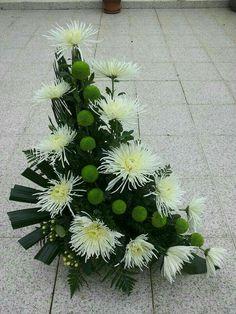 Valentine Flower Arrangements, Tropical Flower Arrangements, Creative Flower Arrangements, Flower Arrangement Designs, Church Flower Arrangements, Beautiful Flower Arrangements, Unique Flowers, Altar Flowers, Church Flowers