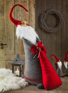 nisse with holiday sack