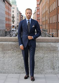 Suit tailored by Cesare Attolini (Gabucci). From Manolo, the Swedish style guide (30 October 2015), via The Fuller View, http://thefullerview.tumblr.com/post/132308257417.