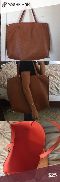 Urban Outfitters Vegan Leather Tote Bag Perfect tote for when you're on the go! Urban Outfitters Bags Shoulder Bags