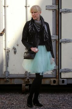 Outfit with tulle skirt and leather jacket / Kotisaari