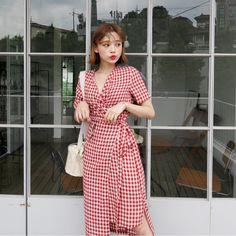 Frock Fashion, Blackpink Fashion, Teen Fashion Outfits, Fashion Beauty, Fashion Dresses, Fashion Looks, Korean Girl Fashion, Asian Fashion, Cute Dresses