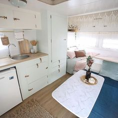 caravan renovation diy 637400153499157866 - Oh hey there Millie 👋🏻 looking so fresh….🌿the countdown till our next adventure has officially started! 24 sleeps 💤 😆 These pics were… Source by bearutillet Caravan Renovation Diy, Diy Caravan, Caravan Makeover, Retro Caravan, Caravan Ideas, Vintage Caravan Interiors, Retro Trailers, Camper Ideas, Camper Trailers