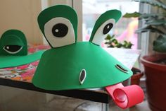 DIY Last Minute Frog Costume Creative Learning Creative Costumes, Diy Costumes, Costume Ideas, Diy For Kids, Crafts For Kids, Arts And Crafts, Frog Crafts, Diy Crafts, Frog Mask