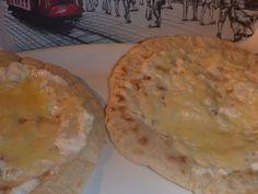 Chlebove placky se smetanou a sýrem