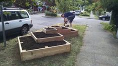 He Builds 2 Strange Boxes In Front Of His House. What He Dumps Inside Is GENIUS! -- To view further for this item, visit the image link. Tiered Planter, Tiered Garden, Planter Boxes, Building A Raised Garden, Raised Garden Beds, Garden Pond, Diy Garden Projects, Spring Projects, Outdoor Landscaping