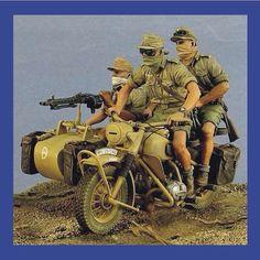 World War 2 North Africa DAK: Motorcycle sidecar Unknown Modeler From: pinterest  #scalemodel #plastimodelismo #miniatura #miniature #miniatur #hobby #diorama #humvee #scalemodelkit #plastickits #usinadoskits #udk #maqueta #maquette #modelismo #modelism