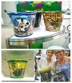 Que tal colocar suas bebidas nestes baldes de gelo Ilustrados!