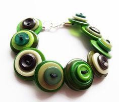 Green Button Bracelet Jewellery £8.00