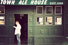 THE OLD TOWN ALE HOUSE  CHICAGO, ILLINOIS