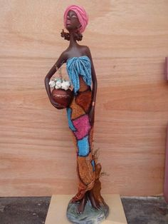 Africana Completa 80 cm por @laura.escobar2110 African Dolls, African Art, African American Figurines, Beautiful African Women, Sculpting Tutorials, Cardboard Box Crafts, African Sculptures, Biscuit, Tropical Art