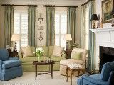 Anita-Holland-Living-Room-With-Rose-Medallion