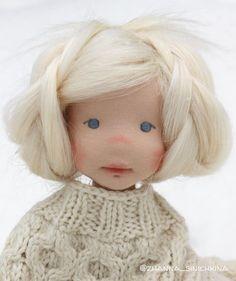 Luna - natural fiber art doll by Lalinda. Wool Dolls, Fabric Dolls, Paper Dolls, Little Pet Shop Toys, Waldorf Toys, Diy Doll, Cute Dolls, Doll Face, Miniature Dolls