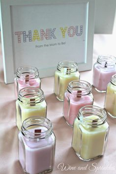 DIY Candles are so easy and fun to make! I used the ends of my wedding candles and favor jars for these lovely wooden wick favor candles for upcoming showers and gifts for my friends! These also work wonderfully for Bridal Shower favors, Wedding Favors, o Baby Shower Favours For Guests, Best Baby Shower Favors, Baby Shower Candle Favors, Bridal Shower Favors Diy, Bougie Bio, Wine Candles, Mason Jar Candles, Homemade Candles, Candlemaking
