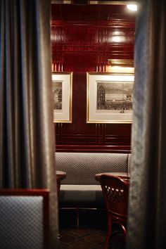 Bellanger restaurant // Decca London projects // Banquette seating
